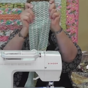 how to sew jelly roll quilt strips