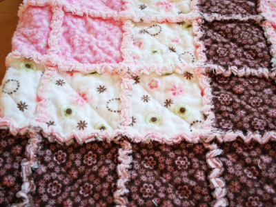 baby raggy quilt pink