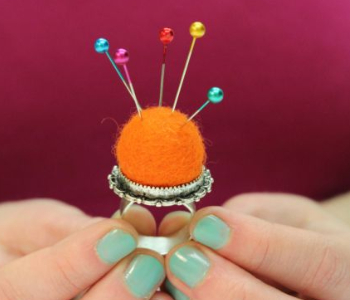 finger ring pin cushion
