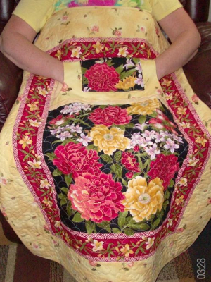 Lovie lap quilts with pockets dahlias