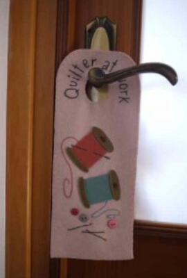 door hanger quilt message
