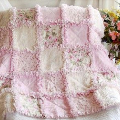 extra raggy quilt pastel pink and white