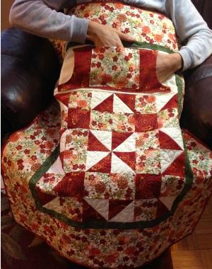 lap quilt with extra pocket red pinwheel block