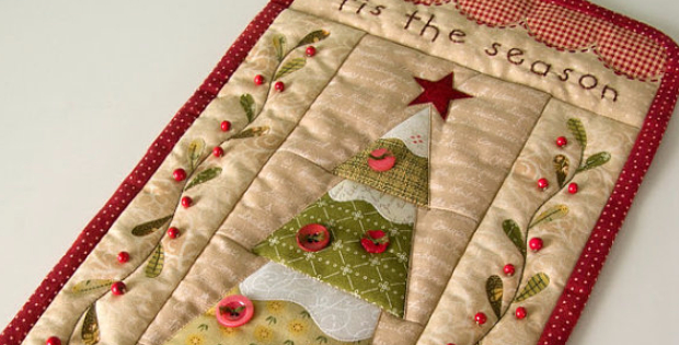Tis The Season For An Evergreen Christmas Wall Hanging Quilting Cubby