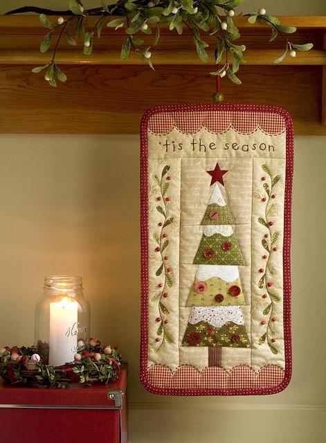 'Tis The Season' For An Evergreen Christmas Wall Hanging ...