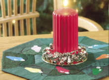 christmas-table-topper-with-appliqued-lights