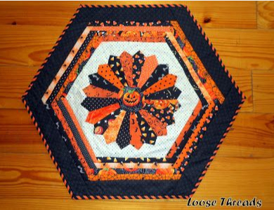 halloween-table-topper-dresden-plate-with-jack-o-lantern-center