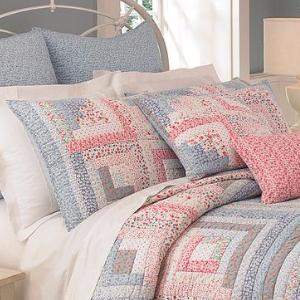 log cabin quilt block matching pillows