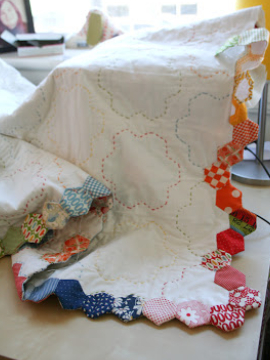 Hexagon Quilts To Go And Lets Change Up The Borders