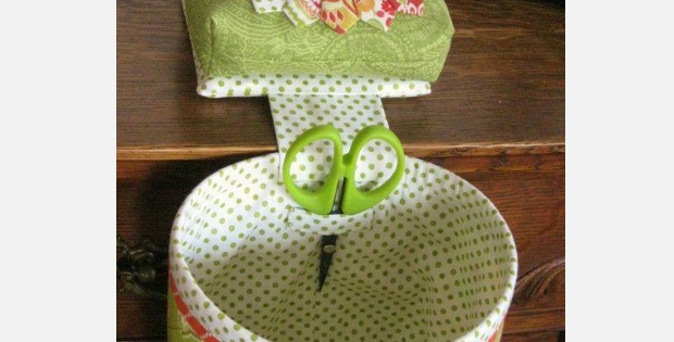 thread catcher with matching pin cushion dresden