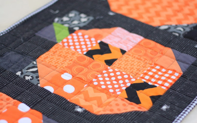 patchwork-pumpkin-quilt-block-for-table-runner