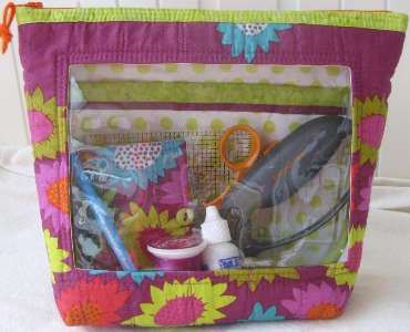 sewing-bag-with-a-window-and-extra-pockets