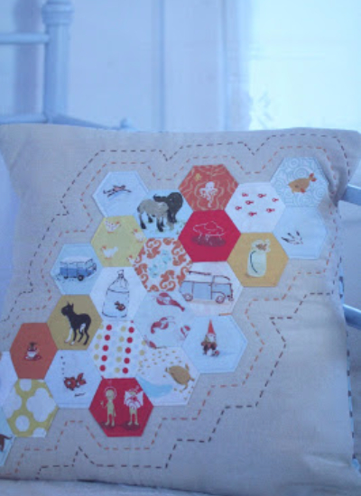 Hexie throw pillow Pretty In patchwork
