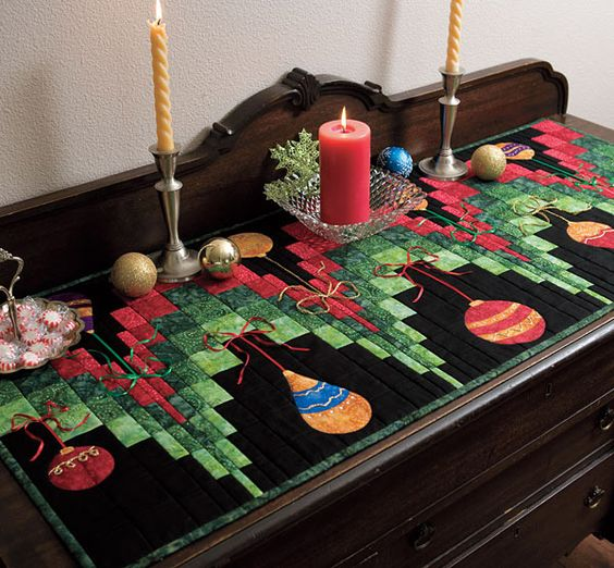 Christmas Tree Table Runner Quilt Pattern: Prepare A Perfect Holiday Display With Dec La Table
