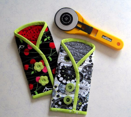cute rotary cutter pouch with buttons