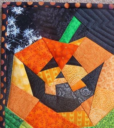 jack o lantern with teeth mini quilt