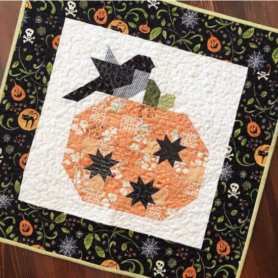 Pumpkin Season Mini Quilt Pattern