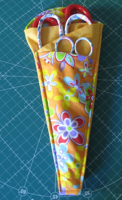 scissor pouch with 3 pockets