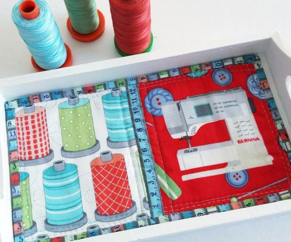 cute mug rug with sewing machine print