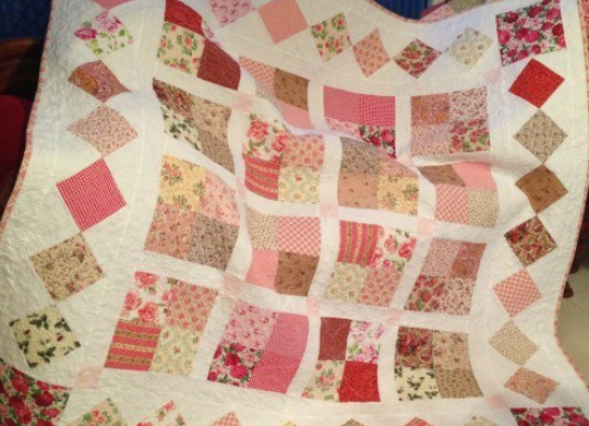 floral fabric modern vintage quilt with border
